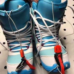 Women's Burton Coco Snowboarding Boots Size 8